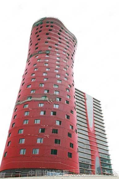 伊东丰雄在巴塞罗那设计的114米高大厦开始成形-图片1