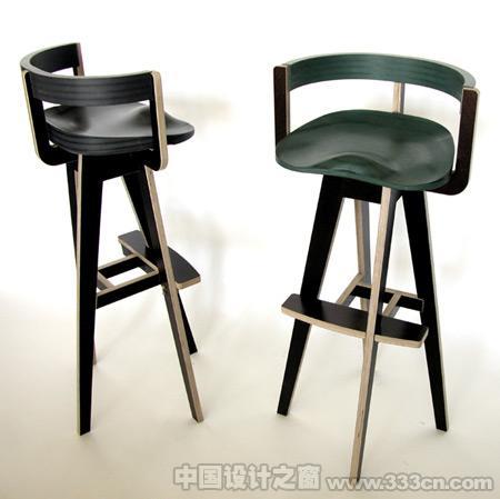 巴塞罗那设计师蒙托亚特罗设计的凳子