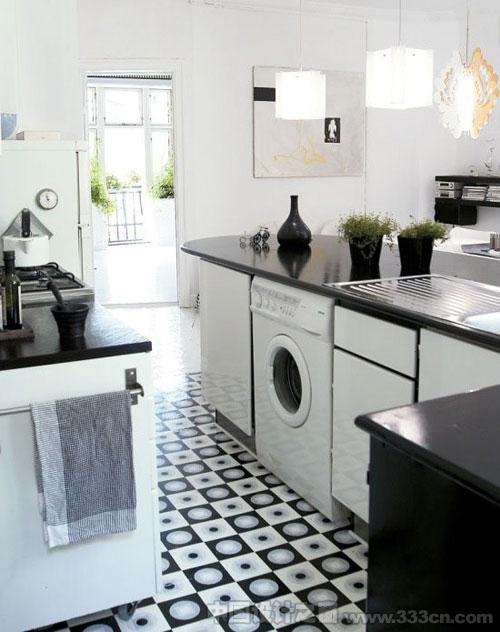 丹麦 公寓 Sidsel 纯黑白色调 室内设计
