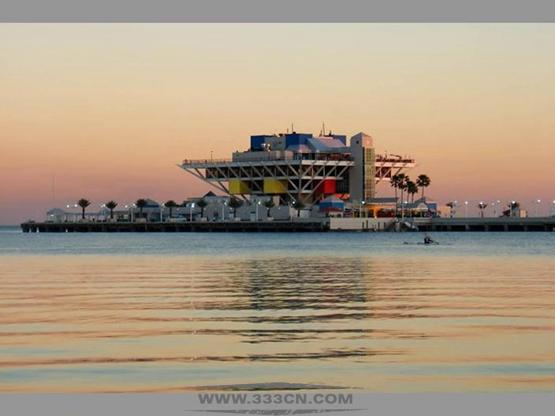 美国弗罗里达州 圣彼得斯堡 国际设计竞争 码头翻修 迈克尔-毛赞