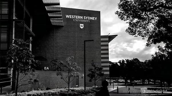 西悉尼大学 更名 换LOGO 红色盾牌 UWS