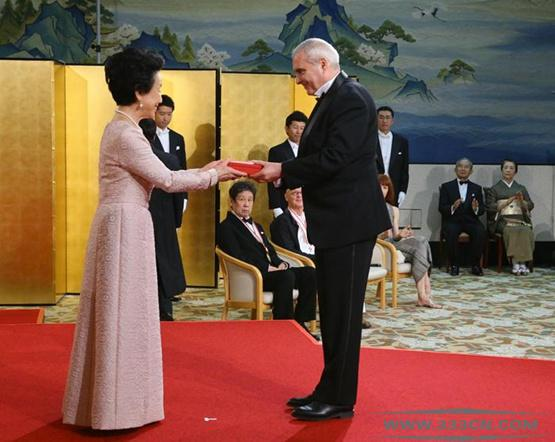 多米尼克-佩罗 日本皇室文化奖 光州双年展 敞开的盒子 诺曼-福斯特