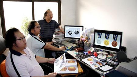 平面设计频道  行业资讯  行业动态     张懿,张聪:双胞胎,经历相同.