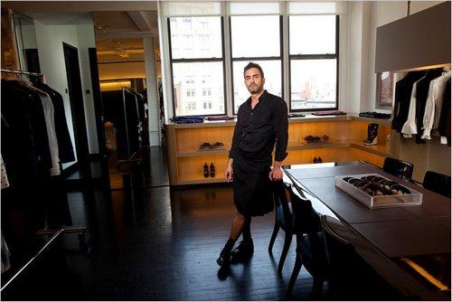 Marc Jacobs在他纽约的办公室内
