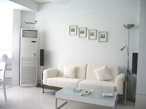 客厅是回家的第一站打开门就进入白色的世界